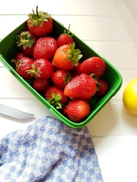 Erdbeer-Tomaten-Eis für Kinder
