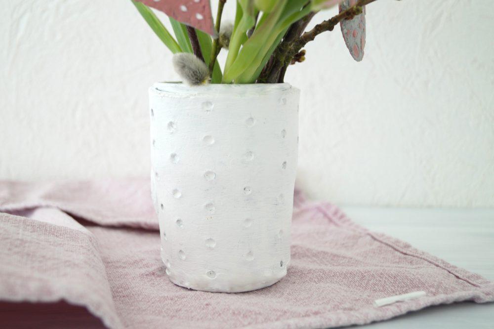 Vasen und Anhänger aus Modelliermasse
